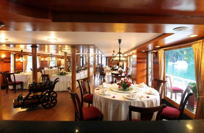 Emotion Cruise - Restaurant