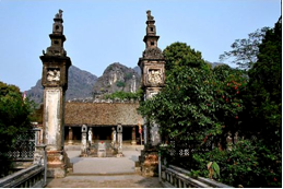 HE2: Hoa lu - Tam coc full day tour